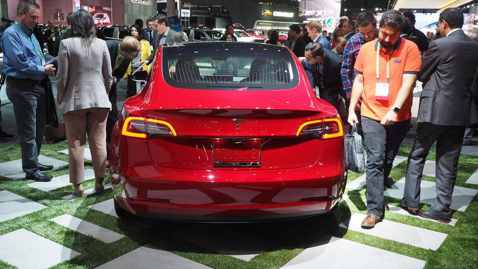 Tesla ponovno zgrešila cilj proizvodnje modela 3