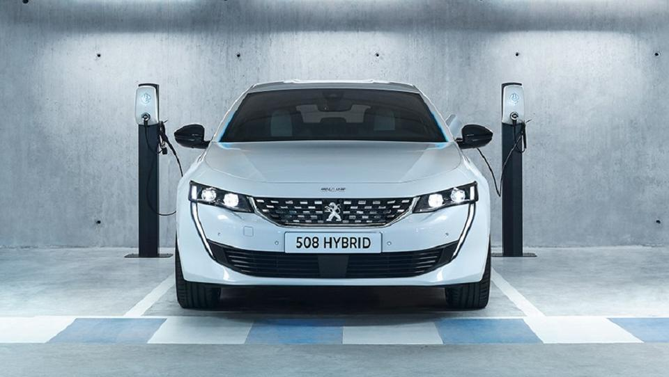 Kako je Peugeot močan hibrid po stroških izenačil z osnovnim dizlom