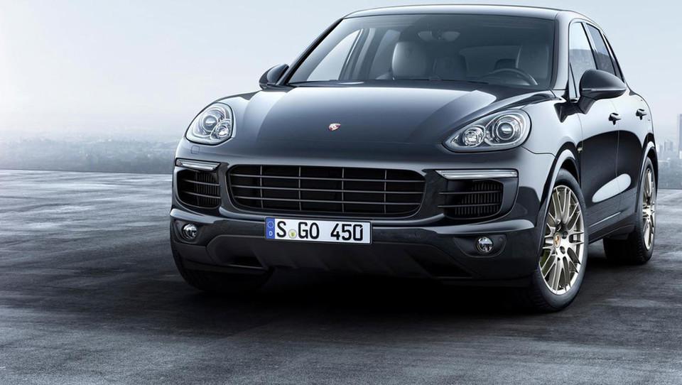 Največji Porsche z zvrhano mero platine