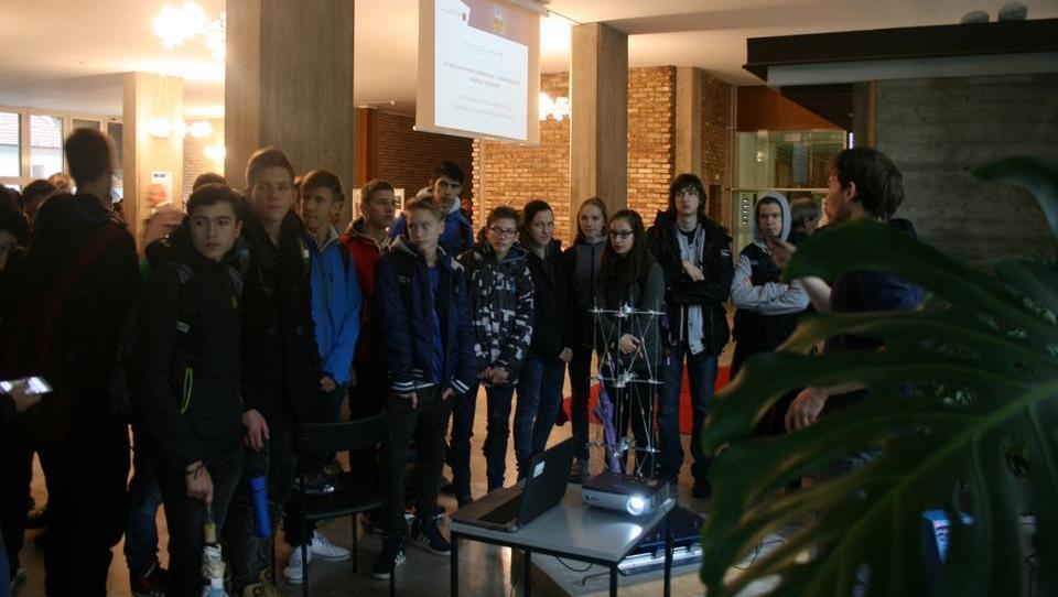 Ljubljanska gradbena fakulteta na informativnih dnevih obljublja atraktivne eksperimente in zanimive goste