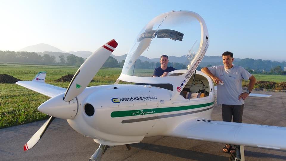 Letalec Lenarčič bo nad Ciprom in Španijo meril vplive saharskega peska
