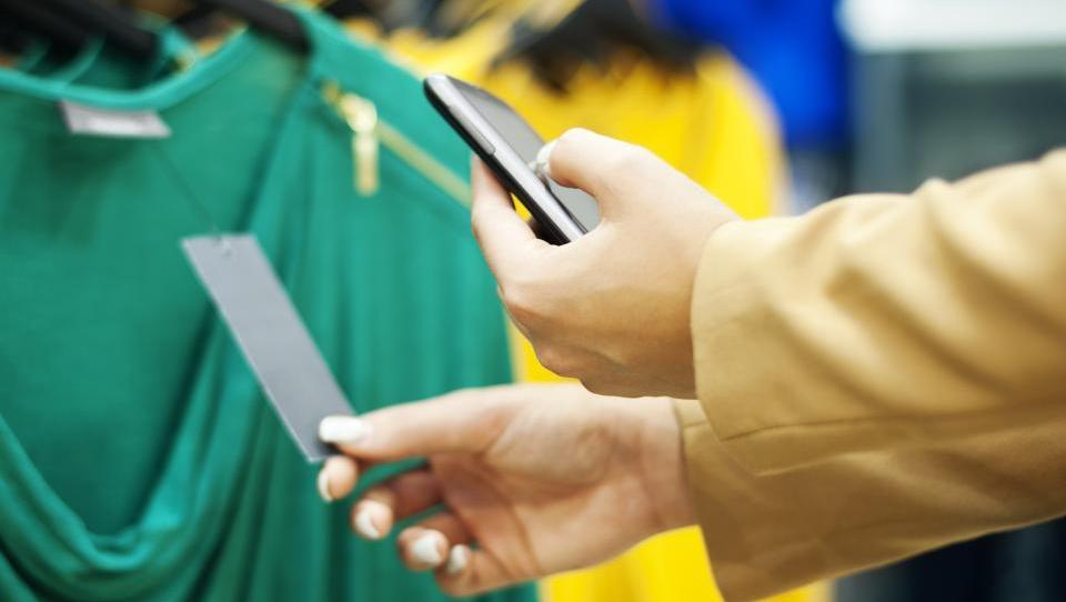 S pametnimi telefoni prihaja mobile showrooming