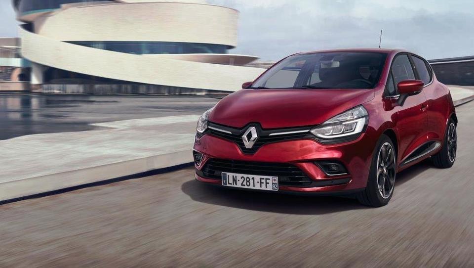 Kaj je Renault spremenil na najbolje prodajanem avtu v Sloveniji