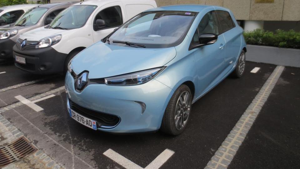 Renault vas bo priklopil na elektriko