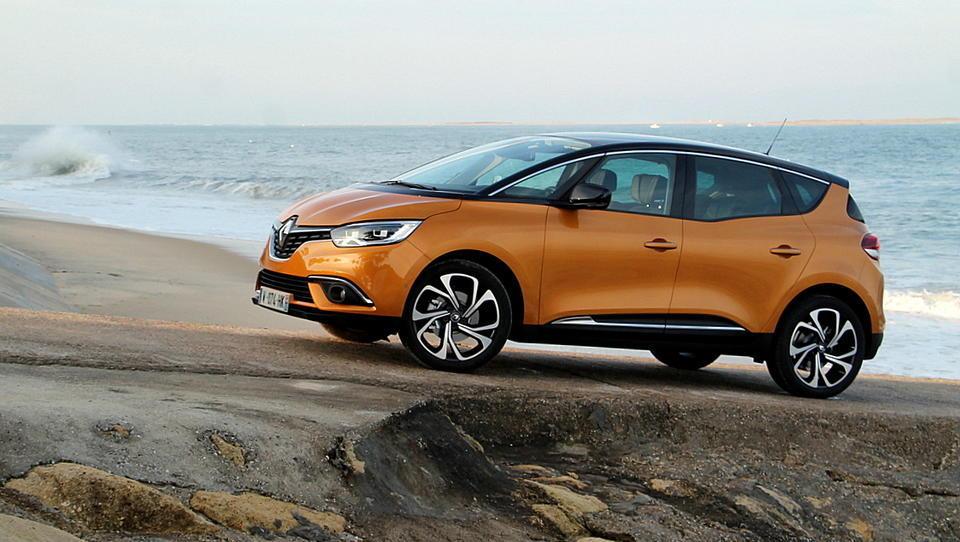 Vrnitev odpisanega: Renault scenic z novim receptom za uspeh