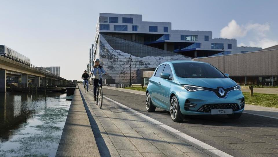 Kako je Renaultov električni pionir ujel in prehitel prihajajoče tekmece