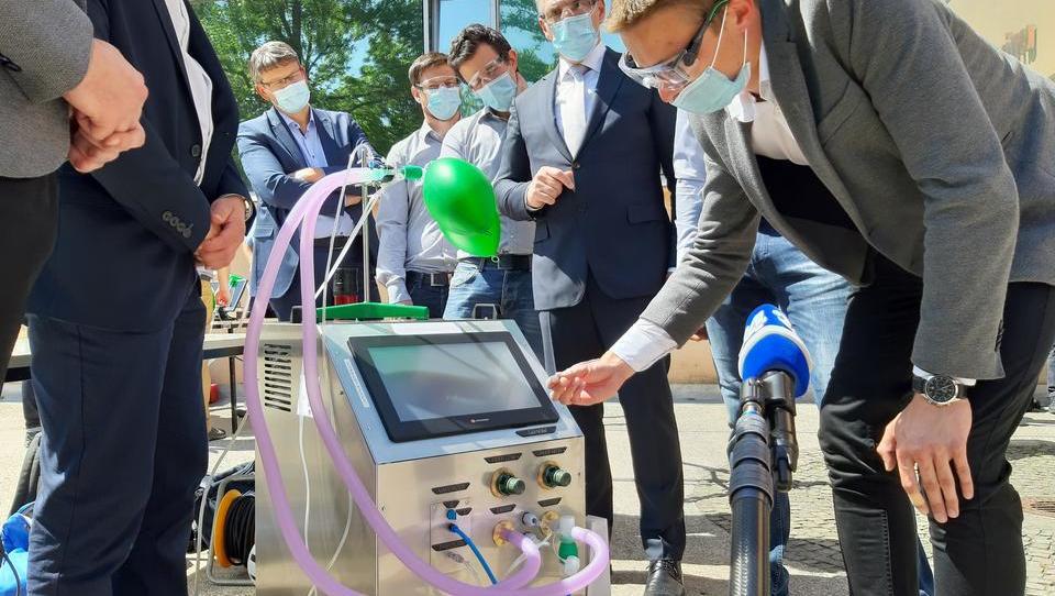 Tako dihajo štirje prototipi slovenskih respiratorjev