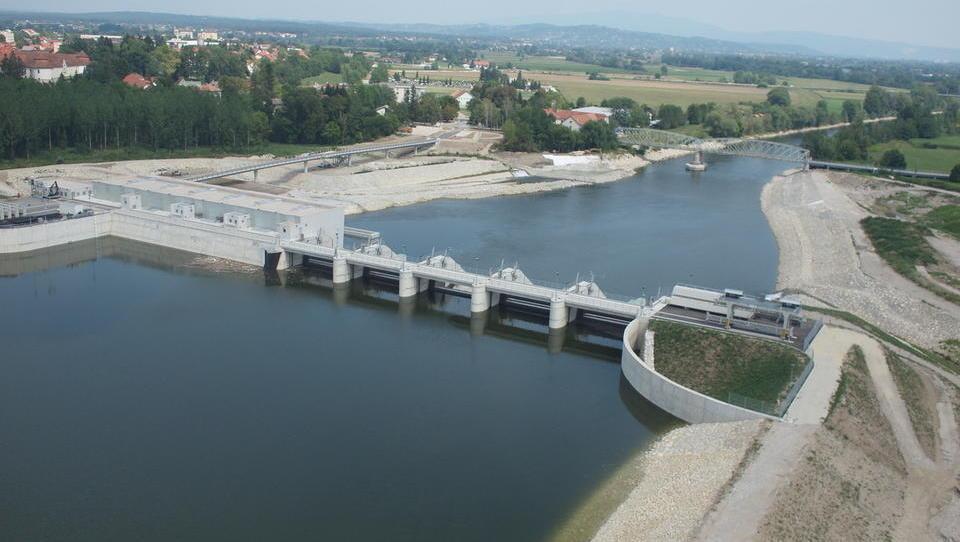 (odgovor) Kdo se boji hidroelektrarn na Muri in Savi