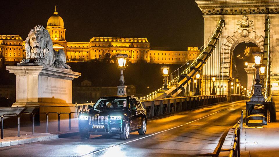 Zlati časi za Rolls Royce, padel je nov rekord