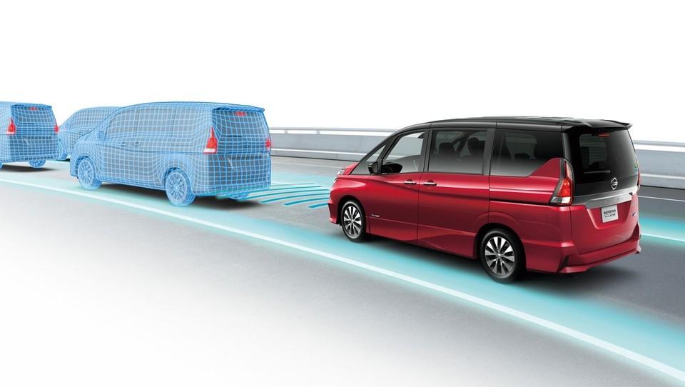 Nissan s tehnologijo ProPILOT na pot samodejne vožnje