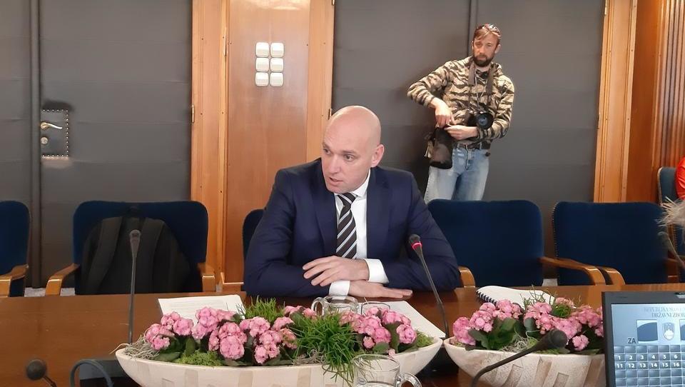 Ministrstvo sprašuje občine, če katera hoče sežigalnico