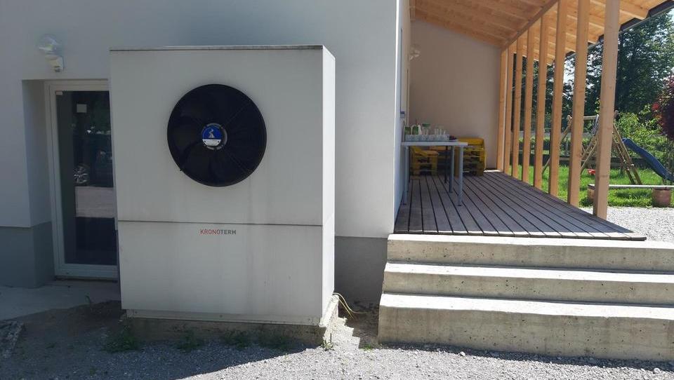 Z umetno inteligenco do prihrankov elektrike pri toplotnih črpalkah
