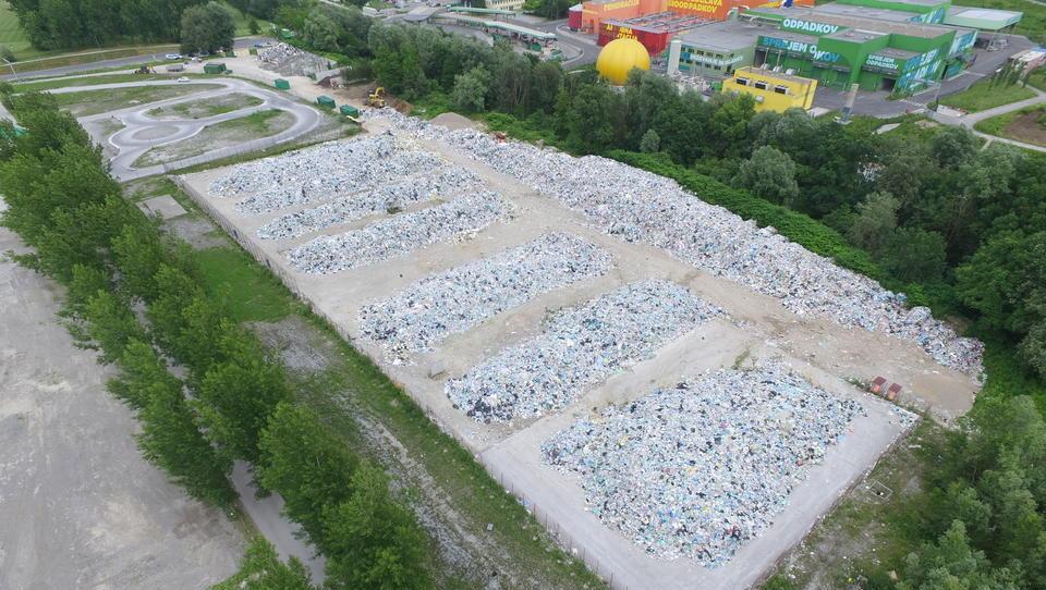 Ministrstvu ni uspelo: gore odpadne embalaže vsak dan višje
