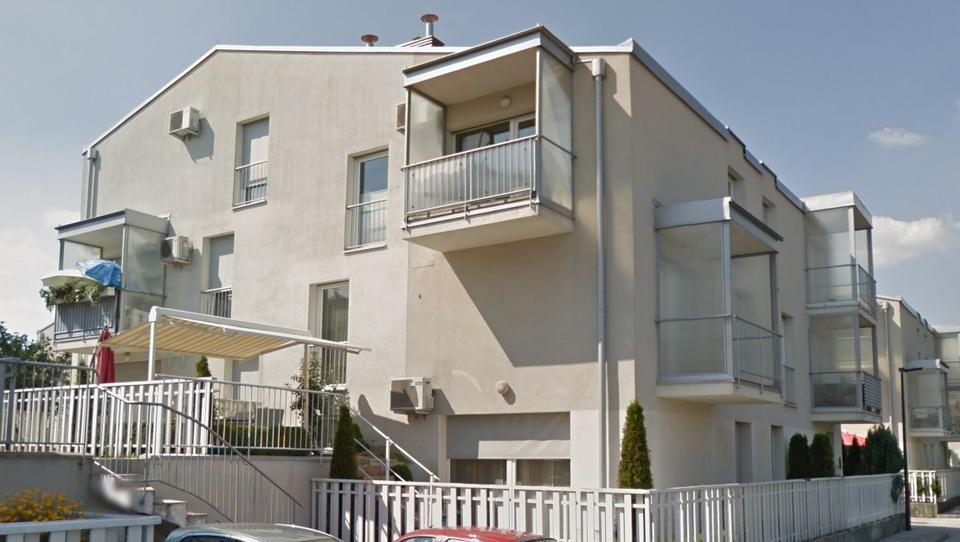 TOP dražbe: stanovanji v Ljubljani, zemljišče v Radovljici, apartma v Poreču ter hiša v Trbovljah