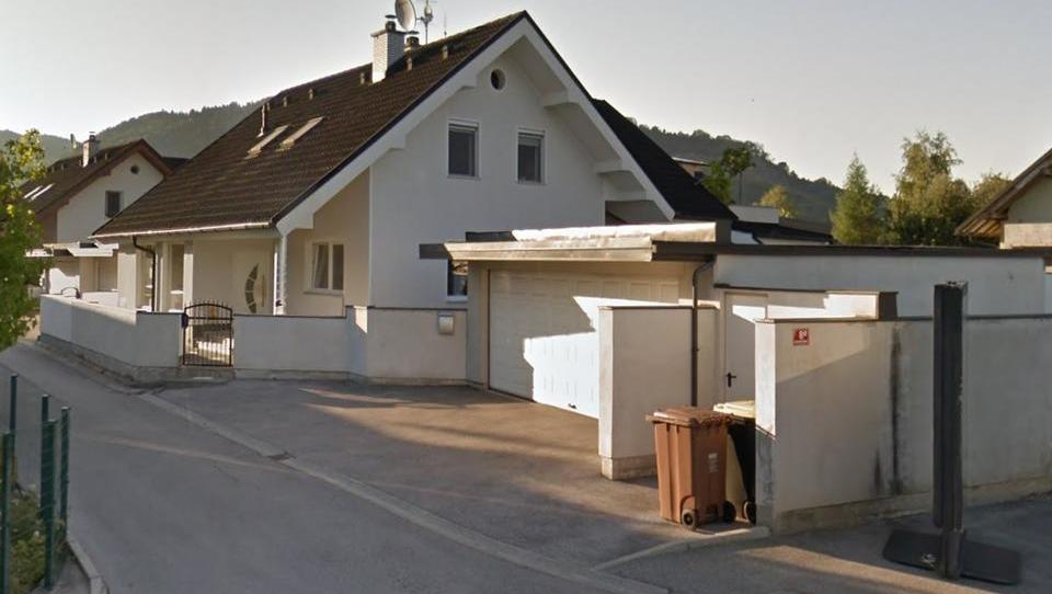 TOP dražbe: stanovanja v okolici Ljubljane in na Obali, hotel v Tolminu, apartma na Pohorju ...