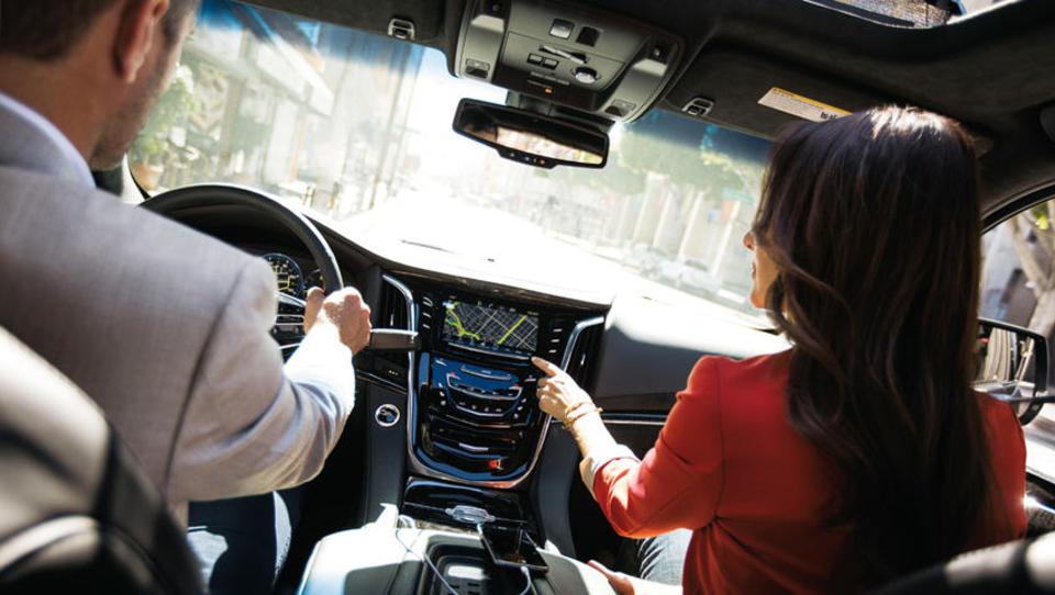 Angleži se bodo vožnje učili s pomočjo navigacije, kaj na to pravijo slovenski inštruktorji?