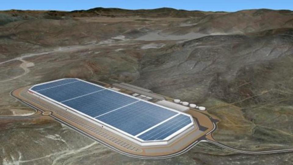 Teslina tovarna s solarnim poljem kmalu največja na svetu