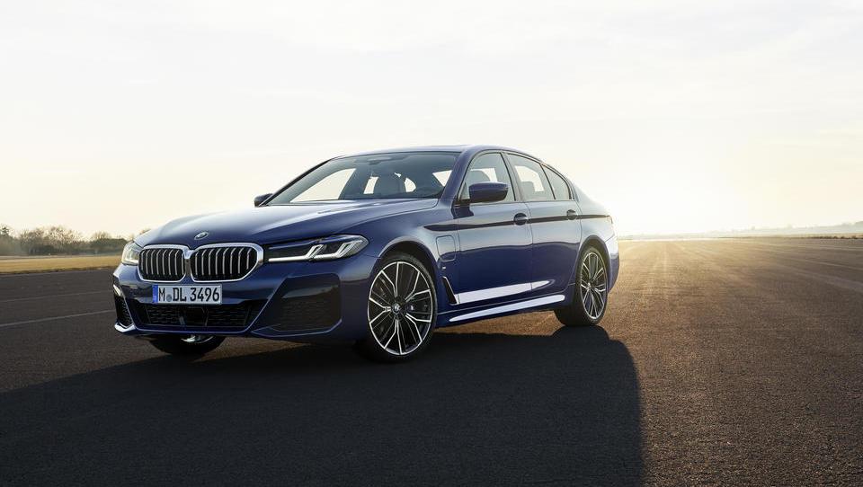 BMW serije 5: pomladitev bavarske klasike