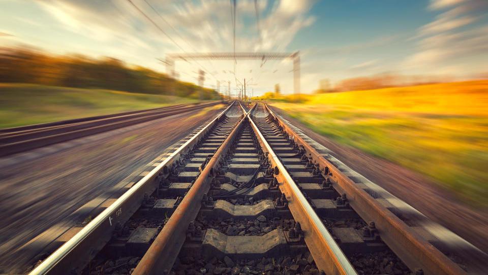 Kakšna je prihodnost infrastrukture, prometa in mobilnosti v Sloveniji?