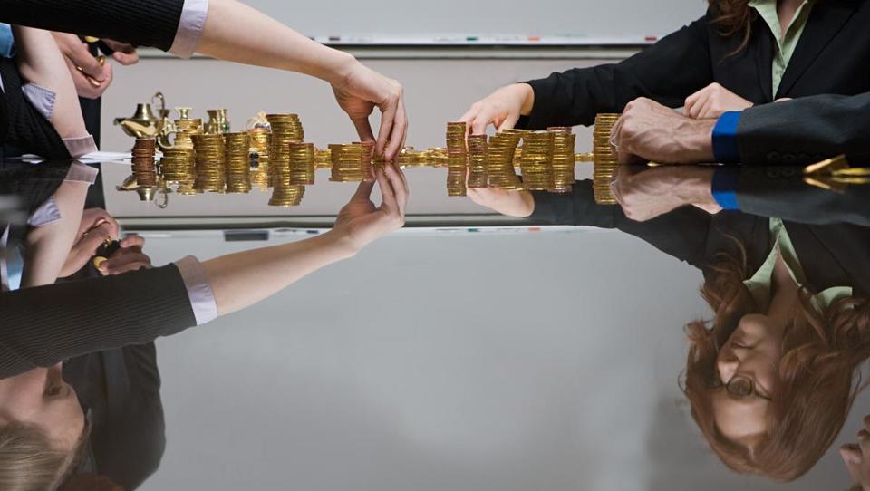 Razkrivamo plače v bančništvu: najboljše imajo zaposleni v državni SID banki in Banki Slovenije