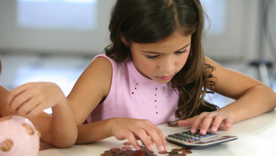 Kaj moramo starši o denarju naučiti svoje otroke