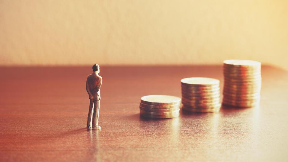 Seznam novoletnih želja: pokojnina višja od 59 odstotkov povprečne neto plače