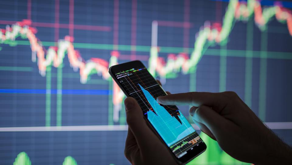 Trgovalni algoritem, ki ustvarja zavidljive donose v vseh tržnih razmerah