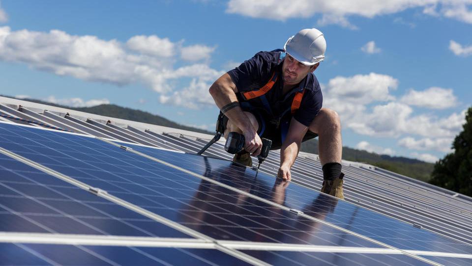Kako s sončno energijo do energetsko učinkovitega doma?