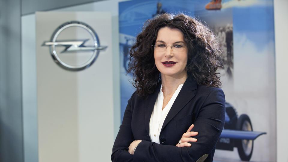 Opel zapušča tudi prva dama trženja Tina Müller
