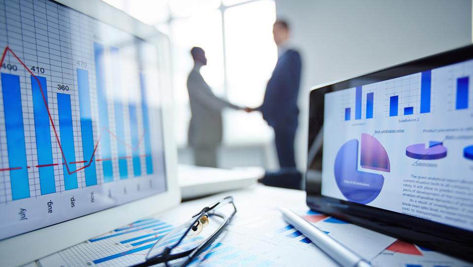 Dobra novica za pravne osebe: z e-odkupom terjatev do takojšnje povečane likvidnosti