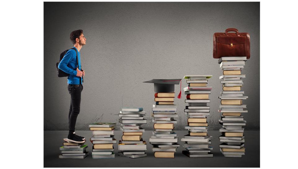 V Sloveniji več visokošolsko izobraženih, manjša razlika v plačah, a višji davki