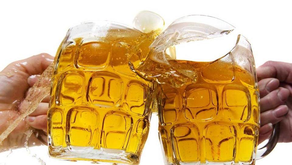 (upravljanje v živo) Pivo, cigarete in čips kotodlična naložbenakombinacija
