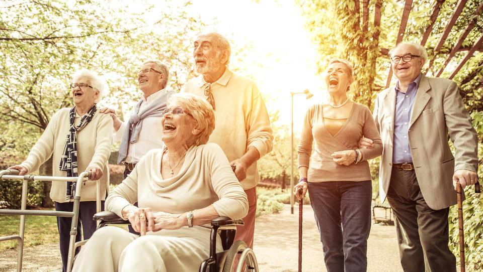 Kako lahko (dobro) zaslužite s staranjem prebivalstva?