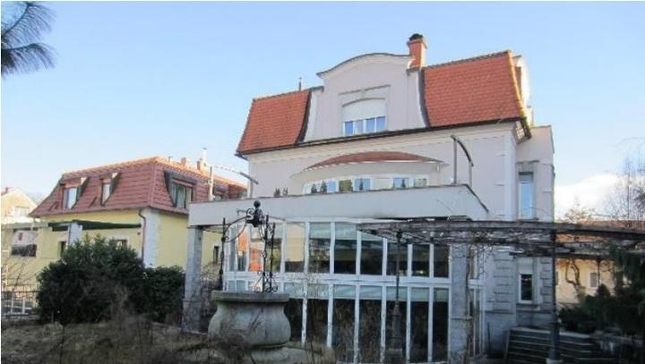 To je vila v Trnovem, ki je očarala enega najbogatejših Slovencev