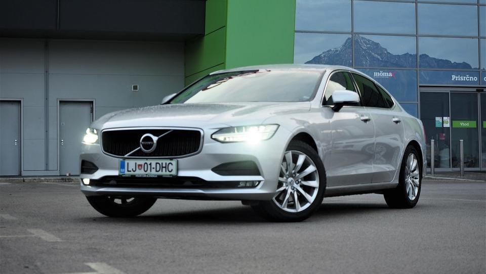 Volvo S90: pet metrov varnosti in razkošja, cena pa pod 40 tisočaki! Kje je trik?