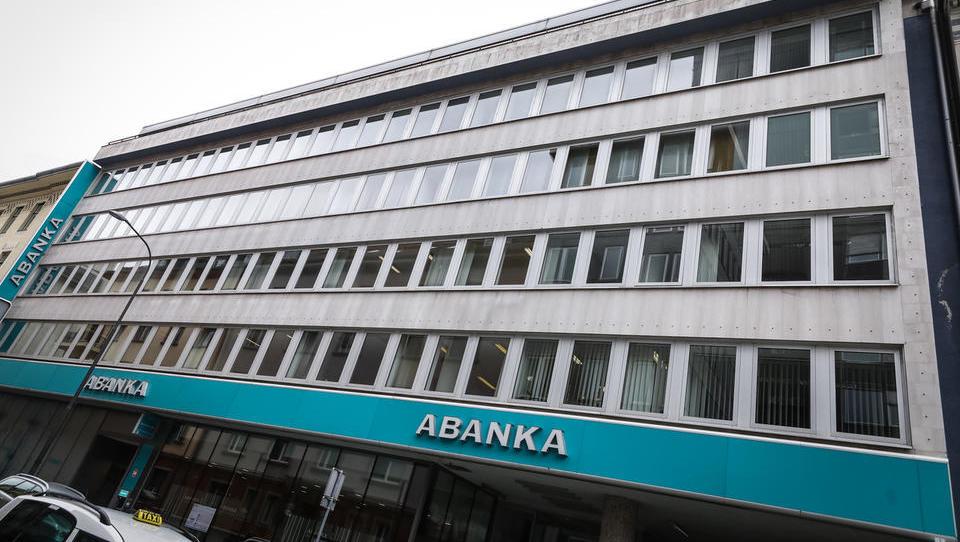 Neuradno: interes za Abanko izrazili Madžari, lastnik NKBM, Kostić ... Kdo še?