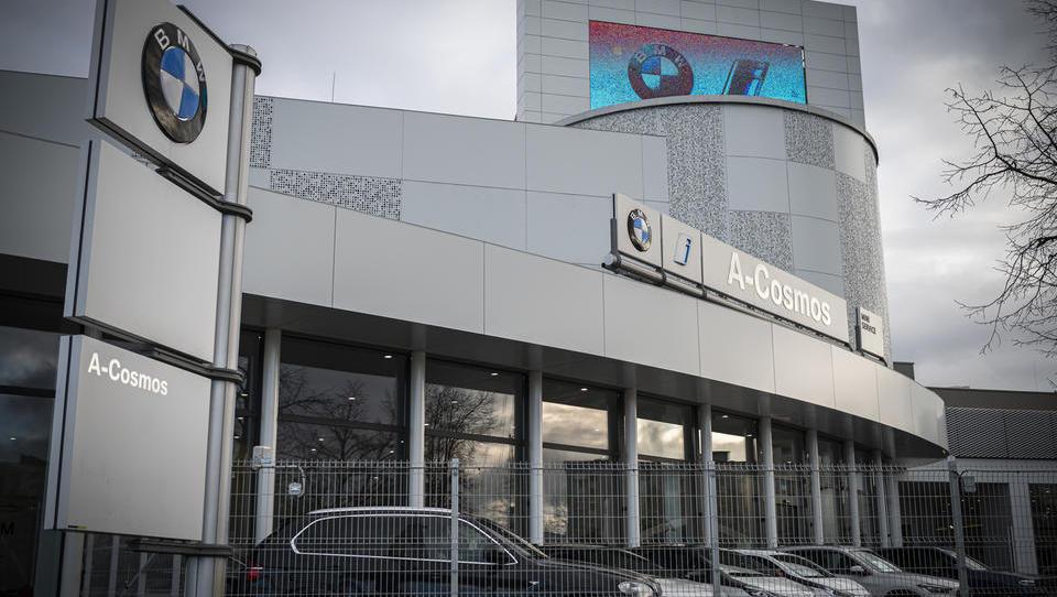 Neuradno: premoženje A-Cosmosa pred prodajo Madžarom?