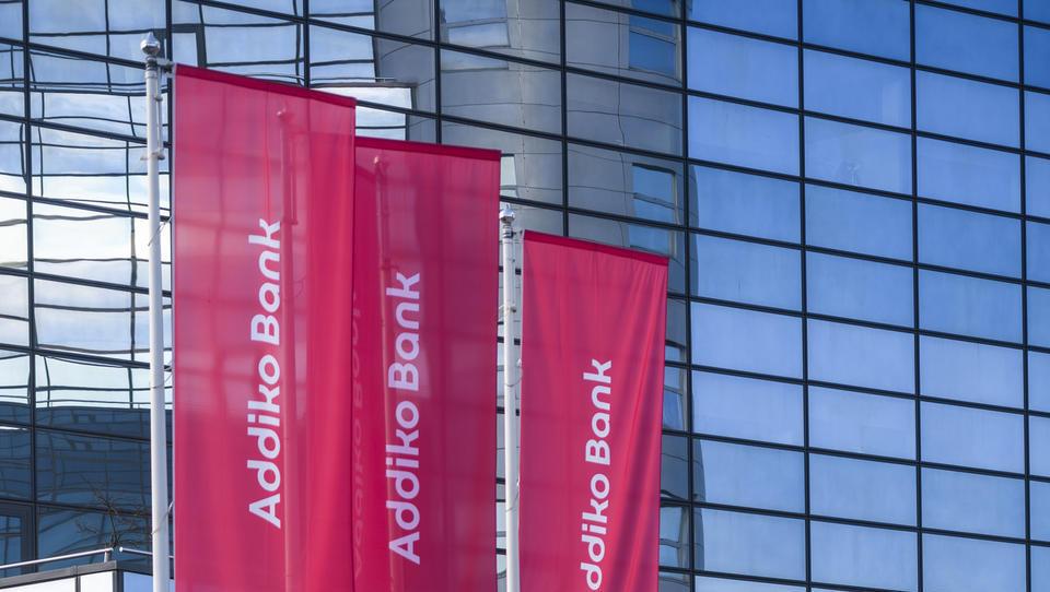 Delnice Addika ob začetku trgovanja na borzi za 1,7 evra več kot v IPO