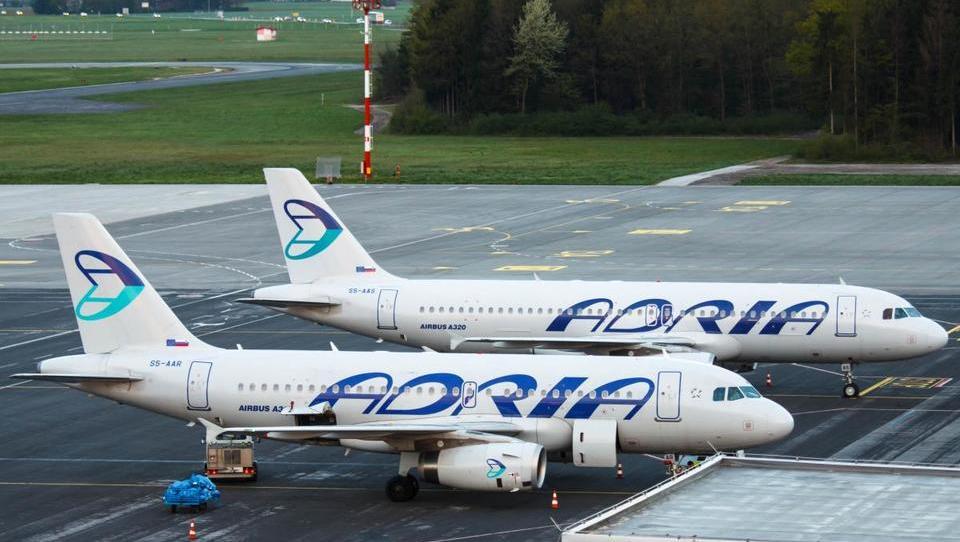 AustrianWings.info: Tako so Adrii na Dunaju zaradi dolga potniku želeli zarubiti letalo