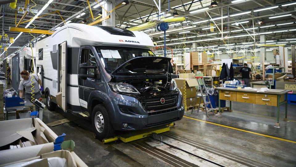 Adria Mobil v serijsko uporabo na novo razvitega recikliranega sestavnega dela za avtodome