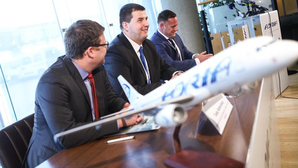 Adrijina letala bodo po novem vzdrževali Danci