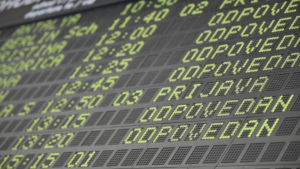 Jutri prvi redni potniški let na Brnik: kdaj se začenjajo vzpostavljati povezave in kam?