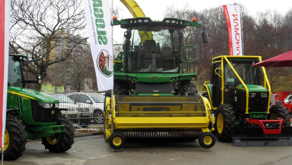 Kako diha trg kmetijskih in gozdarskih strojev
