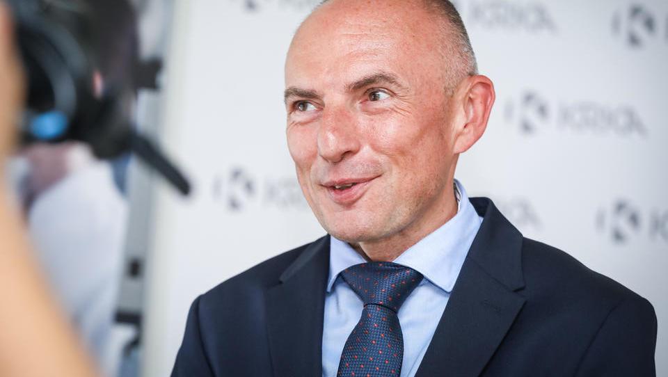 Novi zdravstveni minister bo Aleš Šabeder, zdaj šef UKCL! Komentar Financ: napaka.