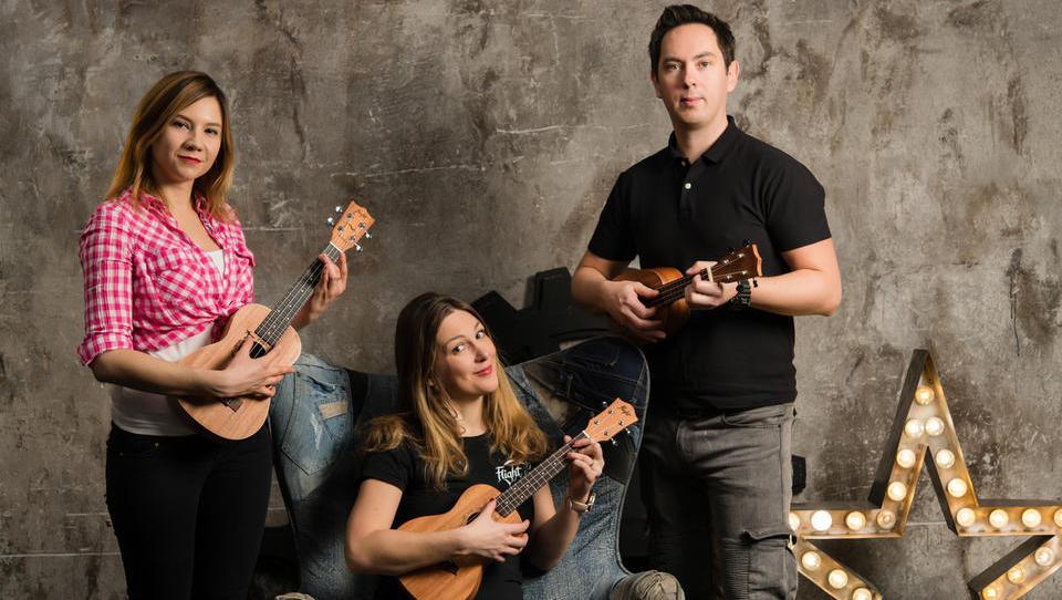 Malo slovensko podjetje, ki po celem svetu prodaja ukulele