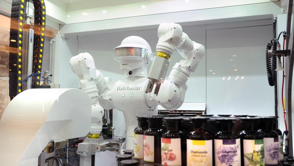 Si želite svojo znamko ekokozmetike, ki jo zmeša robot?