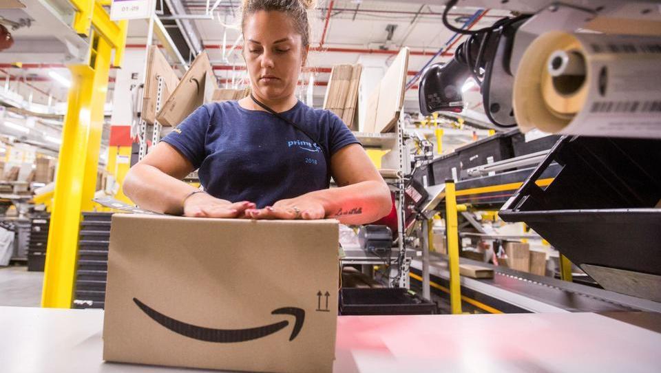 Amazon si je izmislil nakupovalni praznik sredi julija in od njega pričakuje veliko