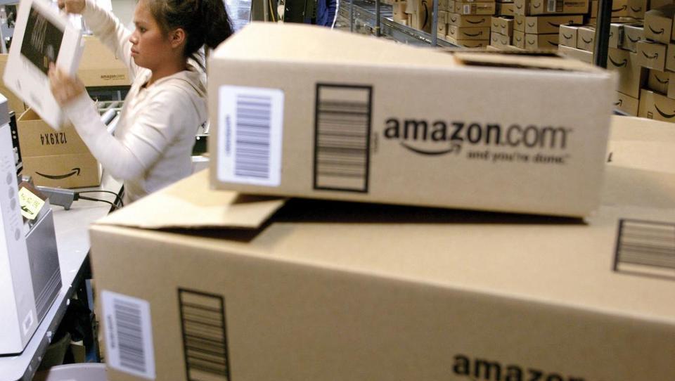Pri Amazonu hočejo več nadzora nad dostavo končnim kupcem