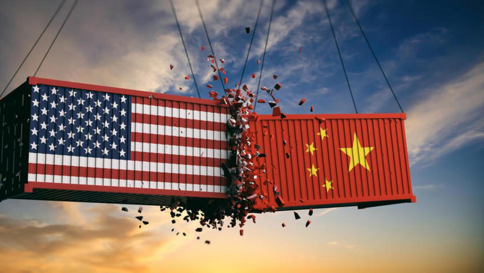 ZDA so Kitajsko razglasile za tečajno manipulatorko, Kitajska ZDA obtožuje, da načrtno uničujejo svetovni red
