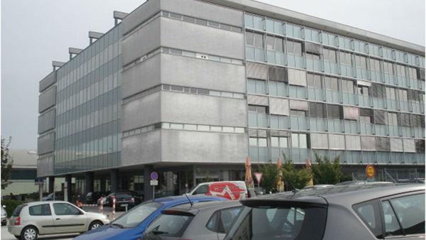 Dramatična dražba za Vegradov poslovni prostor v Mostah